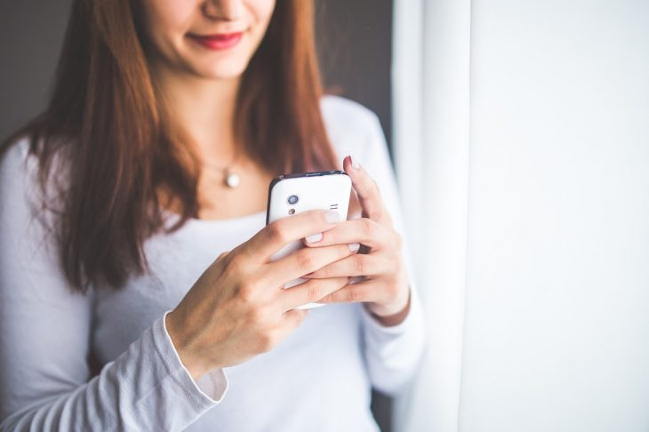 how to text a guy flirty and keep him interested
